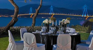 porto-rio-bridge-black-table-setting