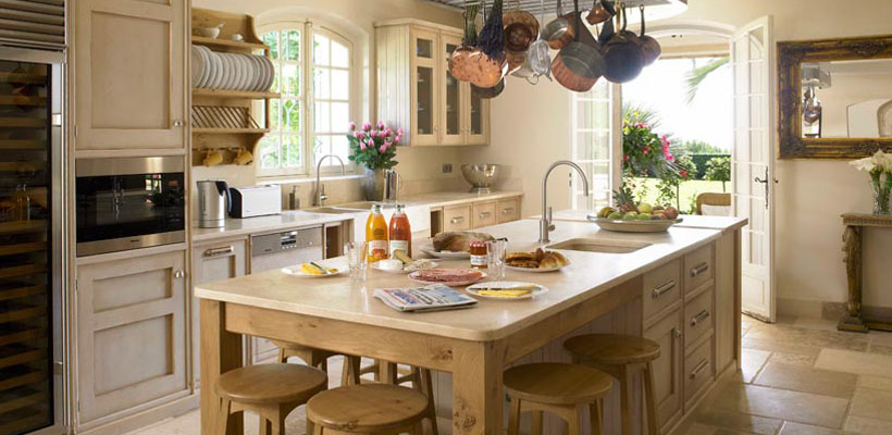 france s finest the french country kitchen living winsomely. Black Bedroom Furniture Sets. Home Design Ideas